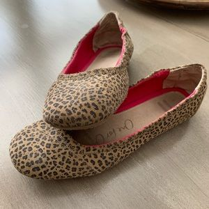 Toms Youth Leopard Flats